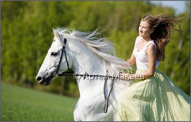 Анастасия и конь - жеребец Самшит