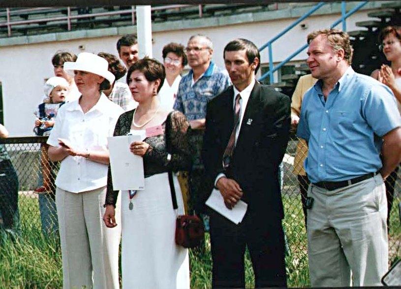 Церемония награждения. Екатерина Штатнова, Дарья Делоне (вице-президент турнира), Николай Чебышев (президент турнира), Виктор Шершунов (губернатор Костромы) (слева направо).