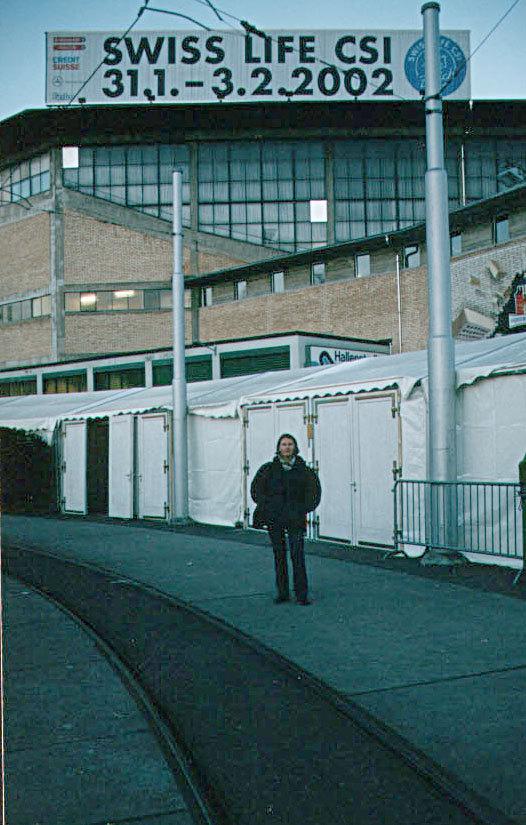 Автор на фоне HallenStadion