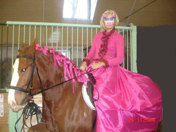 Поздравляем Equestrian.ru с Новым Годом Огненной Свиньи :) (Катя и Реплика)