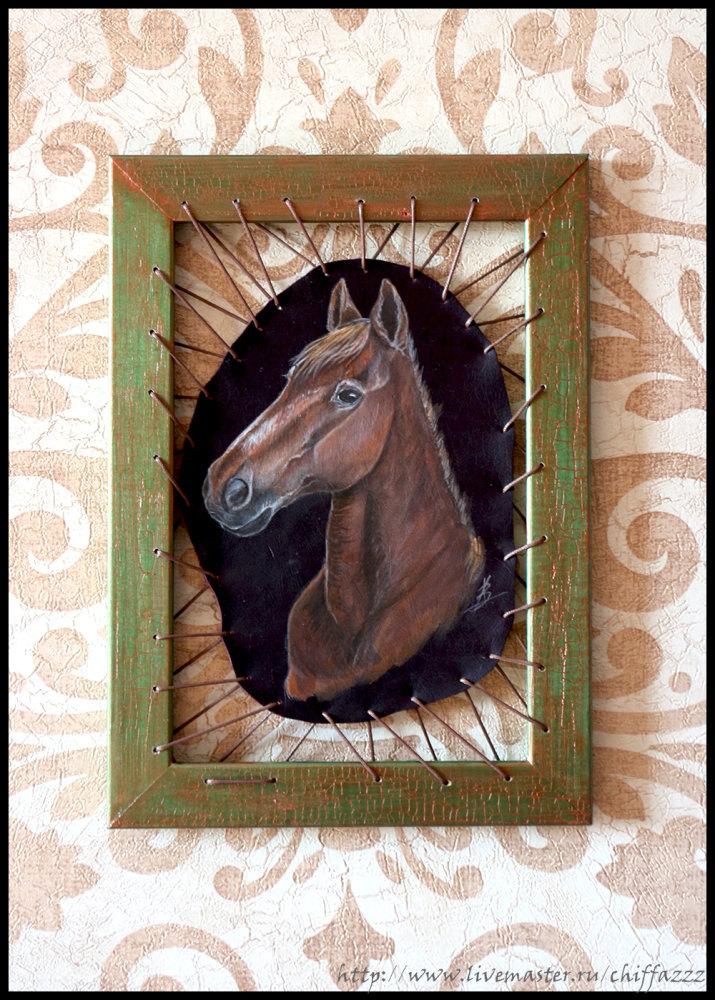 Картинка на коже, в деревянной раме, акриловые краски