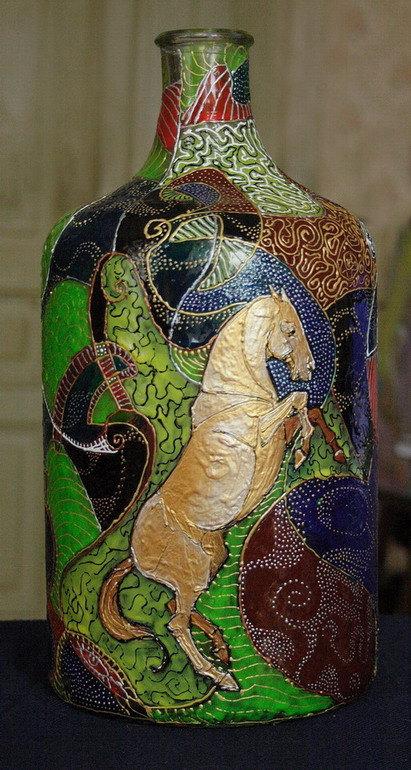 бутылка( 5 л) высота 35см  витражные краски Nerchaw, акриловые контуры Decola, акриловые краски Гамма.