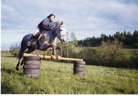 тренировка в поле (старое фото).