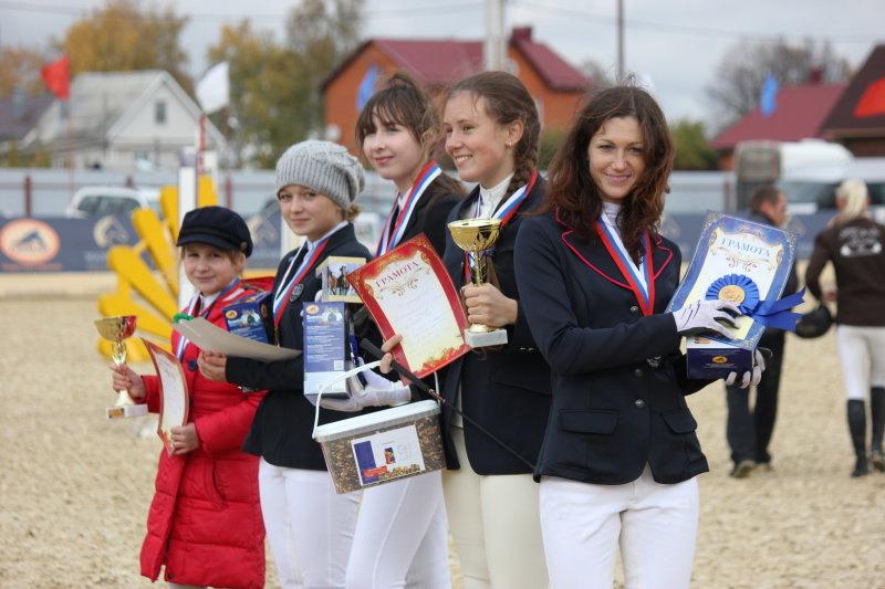 Летние соревнования в КСК Премьер