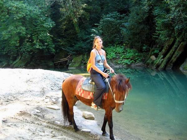 Очень скучная была прогулка... Лошади все замученные были ((