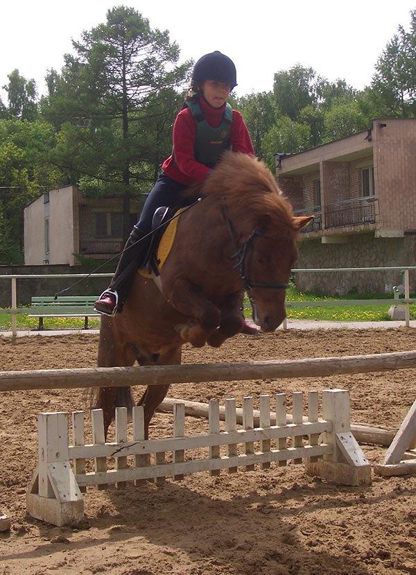 Пони Мэн( рост 106 см) и Саша.