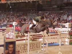 Международные соревнования по конкуру. На маршруте - Маркус Фукс (Швейцария).