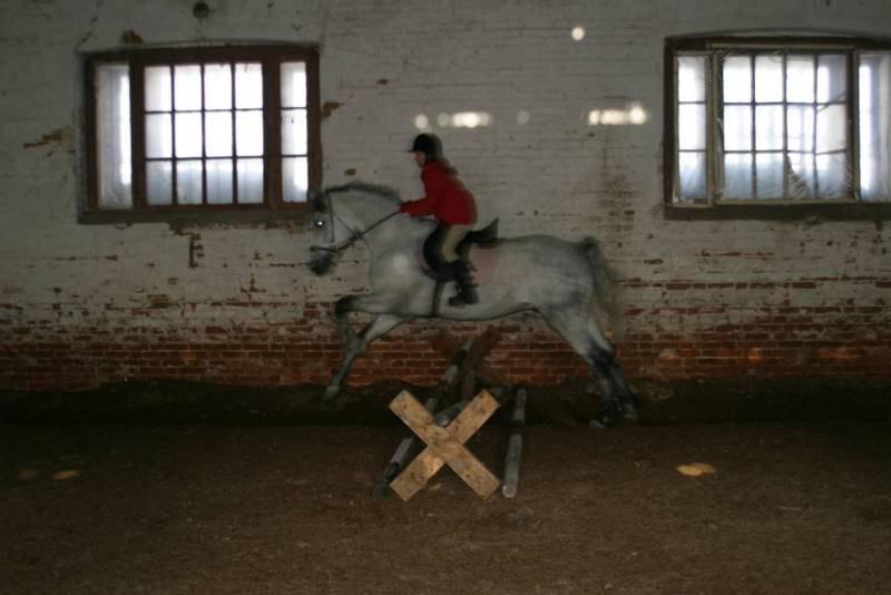 Один из самых первыч разов на Лелике!!! =))) И первый прыжок! После этого мы неразлучны!!!