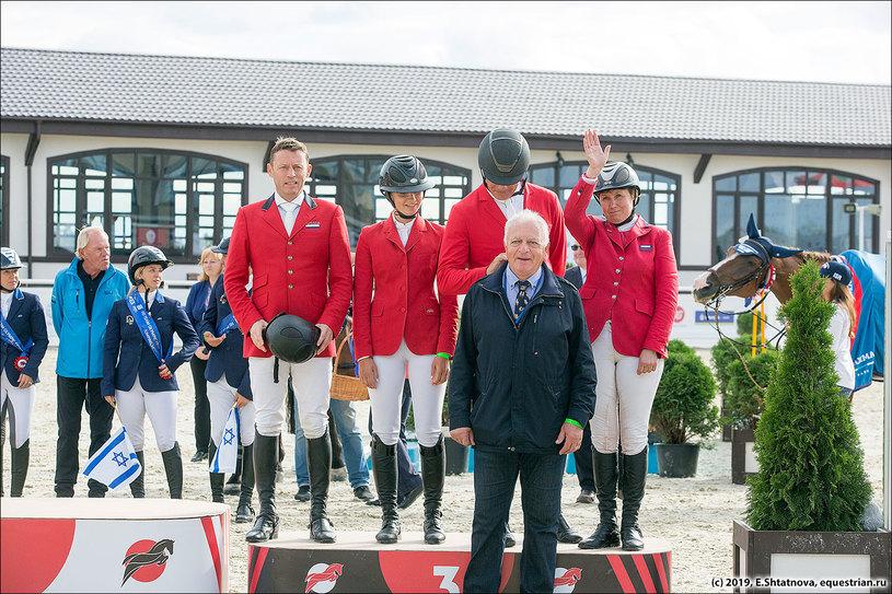 Команда России на церемонии награждения