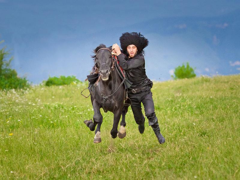 целью картинки джигитов на коне корней мелирование смотрелось