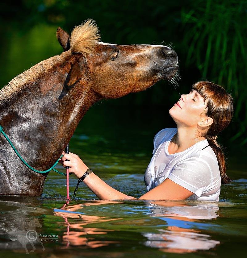 ее речная лошадка...