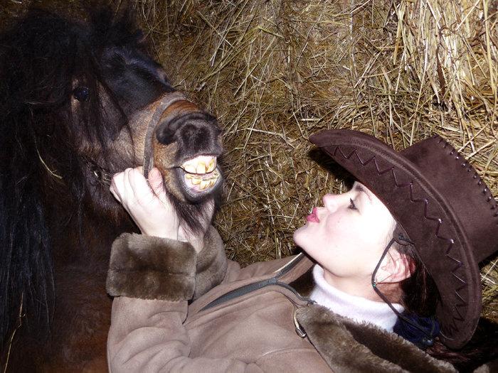 Милый, ну поцелуй меня...