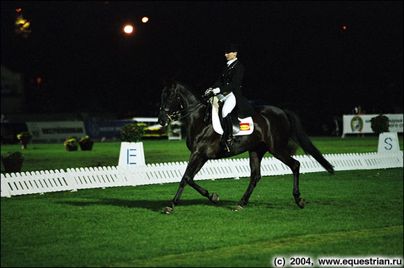 http://www.equestrian.ru/photos/photoreport2004/mayorcup-s/a_c7d169.jpg