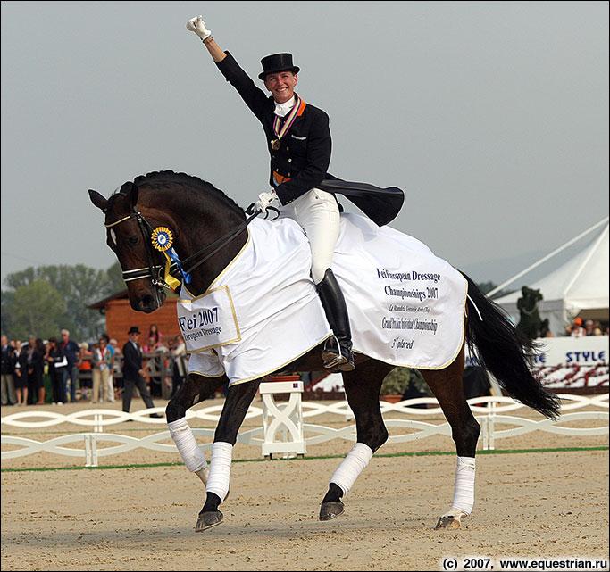 чемпионы россии по конному спорту фото предполагает обязательного времени