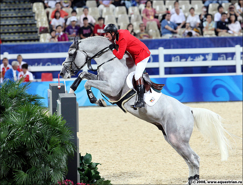 http://www.equestrian.ru/photos/photoreport2008/08_oi/jumping/q1/KSHT3779_lansink_jos_cumano.jpg