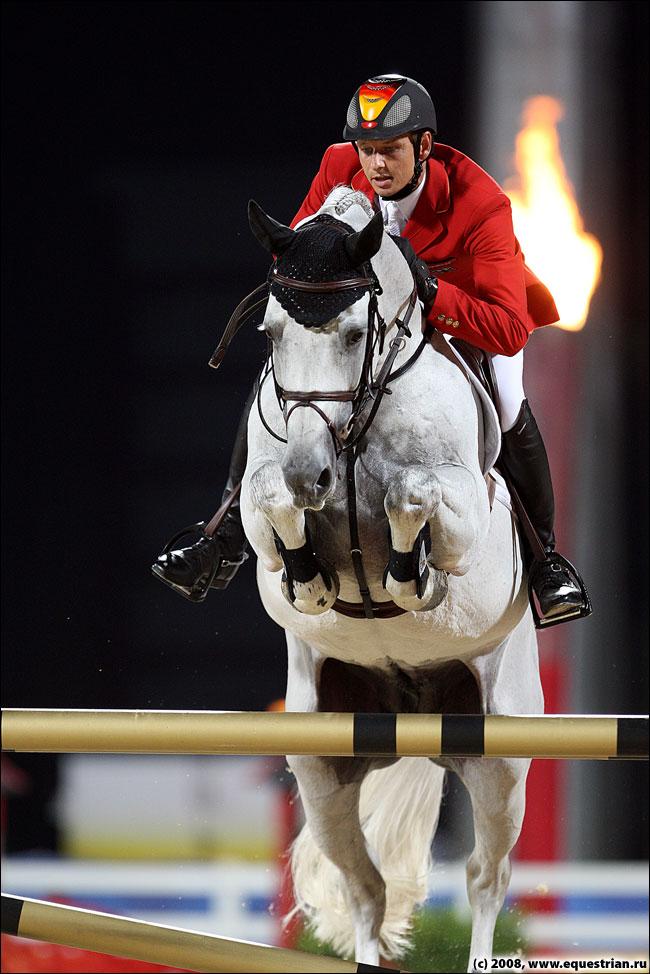 http://www.equestrian.ru/photos/photoreport2008/08_oi/jumping/q2/KSHT5413_kutcher_mark_corne.jpg