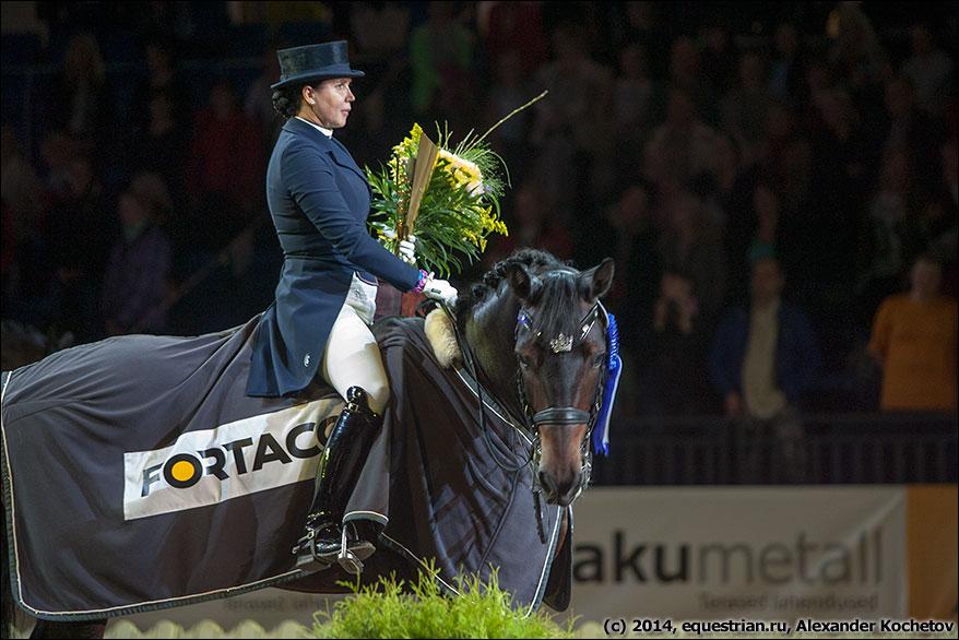 http://www.equestrian.ru/photos/photoreport2014/10_tihs/AK__3265_Merkulova_MisterX.jpg