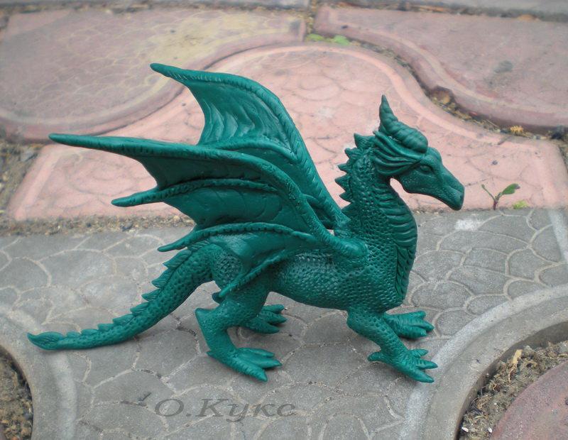 Как сделать блестящего дракона